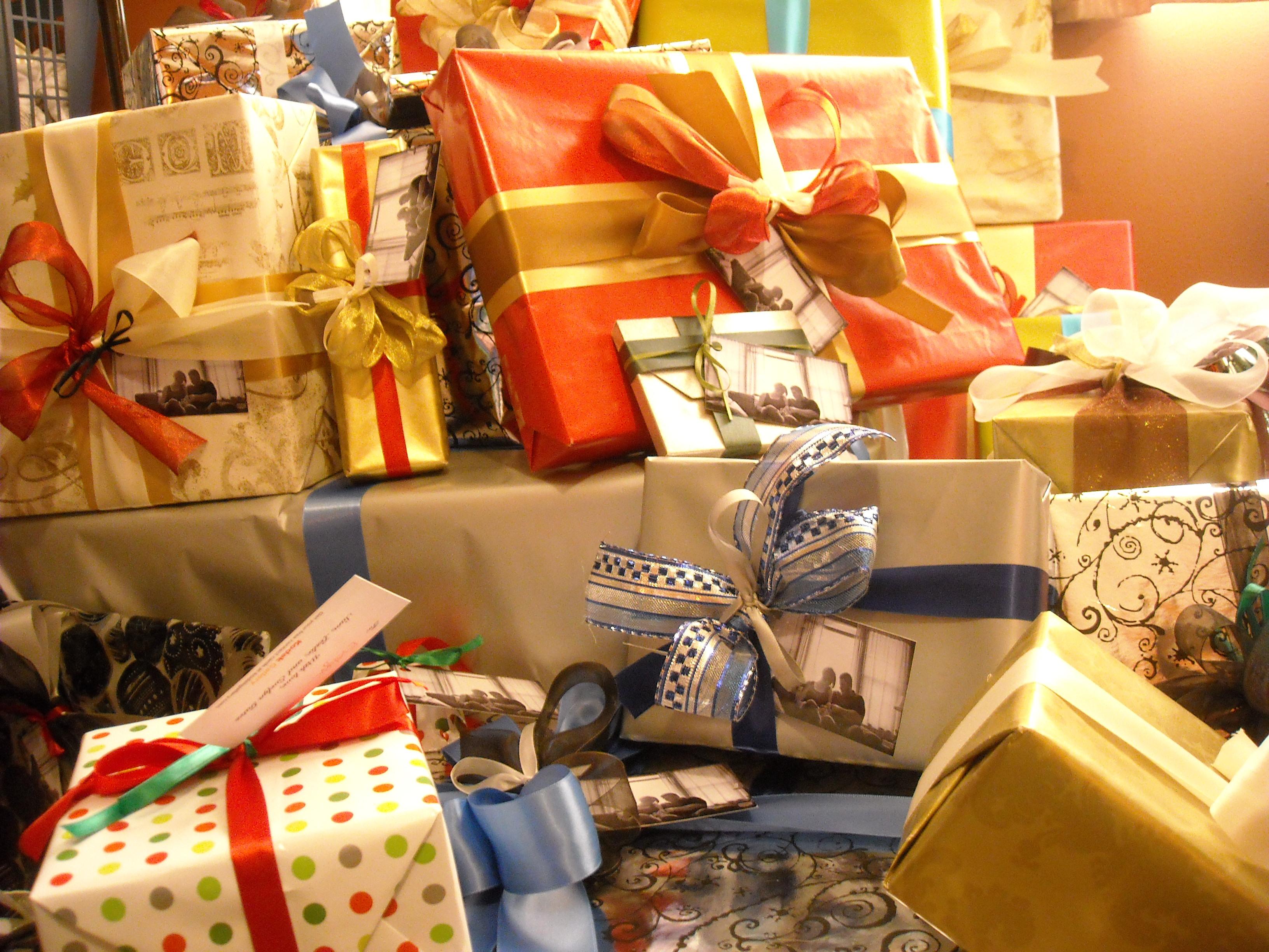 Beautiful Christmas Gift Wrapping Tutorials [Christmas ... |Pretty Christmas Presents